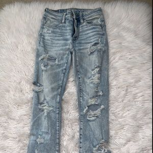 American Eagle distressed light wash jeans